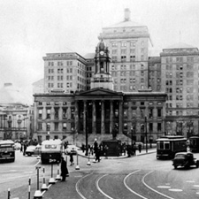 The Brooklyn Borough Hall 1903-1938, the Courts second location.